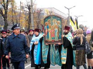 В Луганске прошел крестный ход и панихида по всем жертвам войны