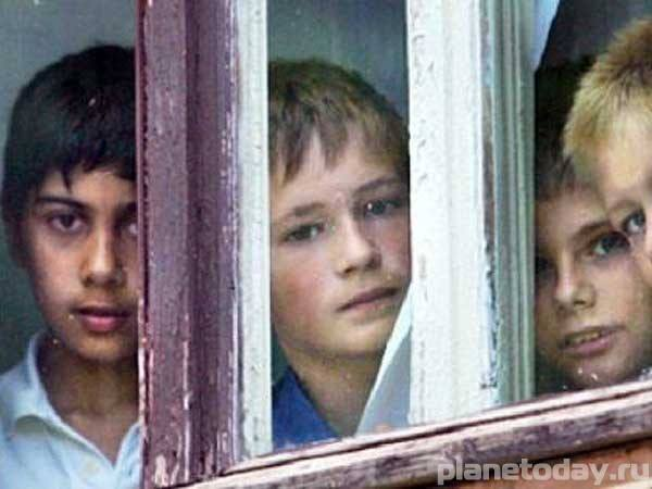 """Украинские """"лыцари"""" украли лекарства у детей-инвалидов Донбасса"""