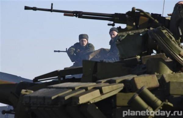 ВСУ стреляют по машинам «Правого Сектора» под Днепропетровском