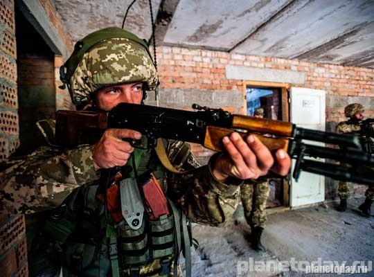 Ополченцы ДНР активно тренируются на танковых полигонах