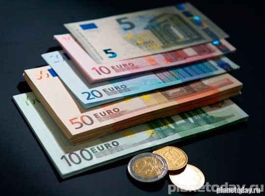 Bloomberg: Аналитики ошиблись, рубль стал лучшей валютой в мире