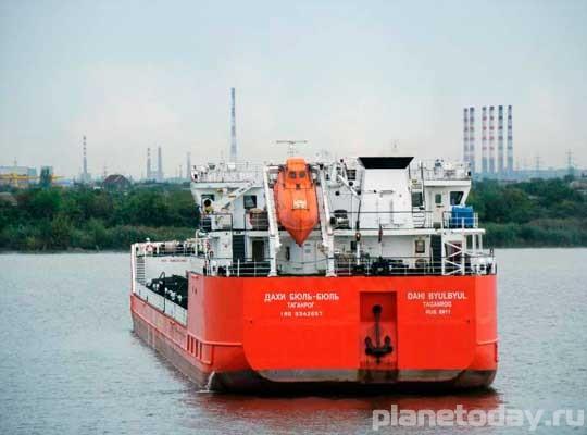 Украина задержала за заход в порт Крыма российское судно