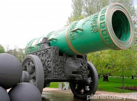 Копия Царь-пушки в Донецке