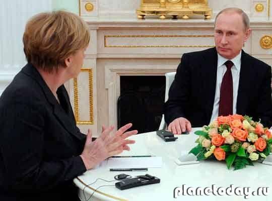 Путин объявил Меркель, что может ввести на Донбасс российскую армию