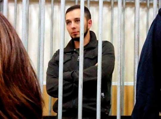 Сейчас Печерский суд активно выпускает всех тех людей, которых вся Украина хочет видеть за решеткой, а Винницкий суд наоборот – держит за решеткой активиста, защищал права общины своего города.
