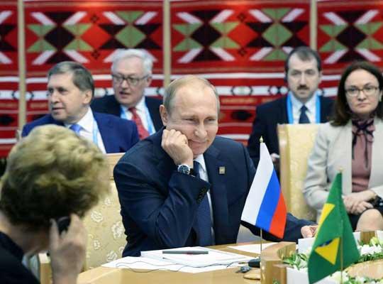 Улыбка Путина — показательный итог саммитов ШОС и БРИКС в Уфе