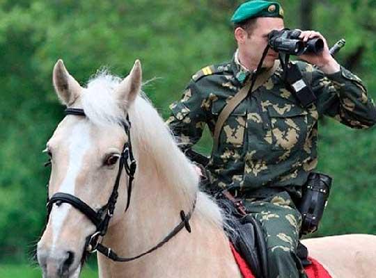Границу Украины будут охранять конные патрули