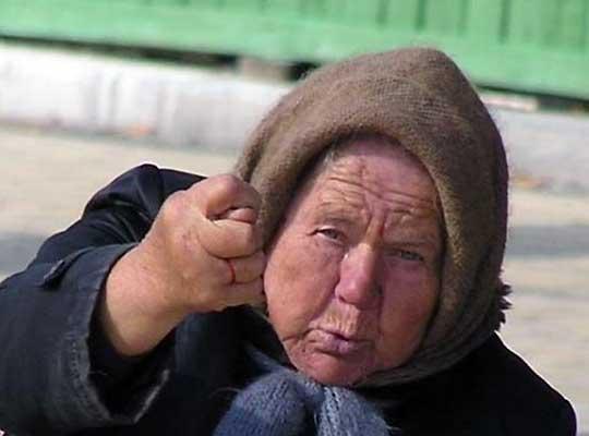 Донбасские бабушки обезвредили силовиков