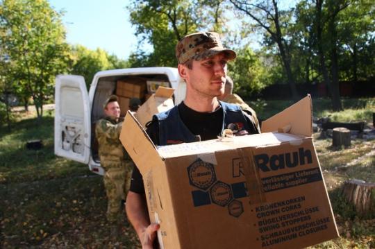 Школы ДНР получат более 90 тысяч учебников из груза 38-го российского конвоя