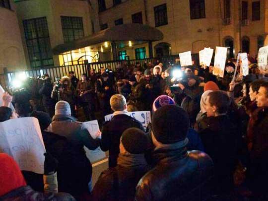 Турция паникует из-за массовой акции протеста россиян у посольства