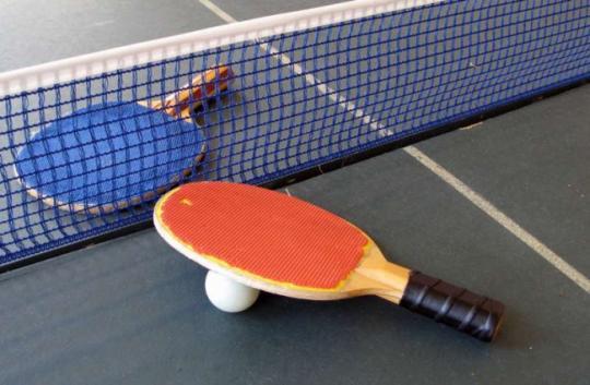 В первом туре 15-го чемпионата по настольному теннису приняли участие 32 команды