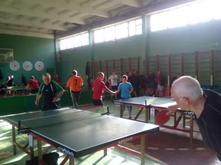 32 команды приняли участие в первом туре 15-го чемпионата по настольному теннису