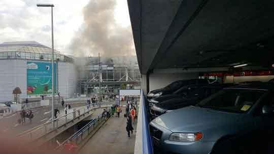 В аэропорту Брюсселя прогремели два взрыва – прямая трансляция