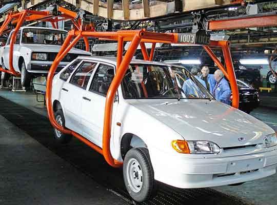 Украинцы поднимают продажи автомобилей из России